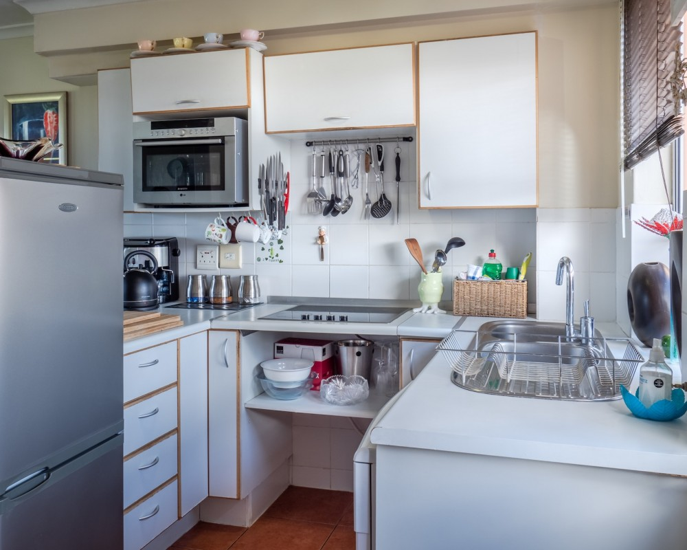 7 Ways to Maintain Minimalism in a Minimal Kitchen