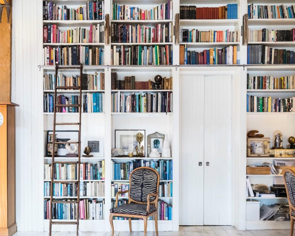7 Impressive Doorway Bookcases