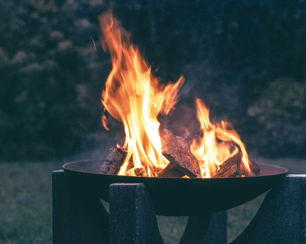 4 Tips to Making a Fire Pit