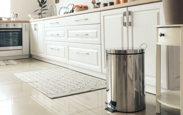 How to Clean Your Rubbish Bin